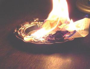 сжечь письмо